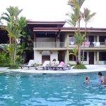 piscine et dortoirs