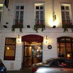 Hotel Saint Paul Rive Gauche, entrance