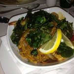 stir fry prawn with noodles