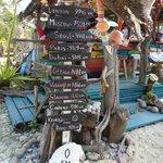 Bar hinter dem Resort