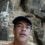 Nas escadas de acesso a Praia do Sancho