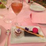 Champagne Duval Leroy rosé et amuse gueule