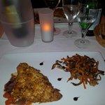 Poisson croustillant d'amandes grillées et légumes craquants