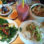 Salat, Fresh Drink, Frühlingsrolle, Dessert