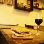 Verre de vin italien sélectionné par nos soins  en sus du menu pour 1,50 €