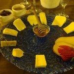 Il tagliere di formaggi con confetture e miele... Buonissimi!
