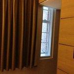 Chambre 215 - pas de rideaux