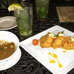 crab cakes, gumbo and a mojito=heaven!