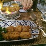 Hähnchenspieße mit Erdnusssoße als Vorspeise