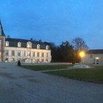 Château de Moresville à la tombée de la nuit