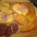Cotechino, polenta con lardo e frittata