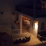 Die Dachterrasse abends