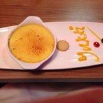 Mango brûlée excellently presented :)