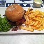 Excellent burger, this is cheese bacon & mushrooms. Yummy!