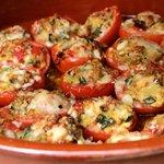 Tomatitos rellenos de verduras y parmesano