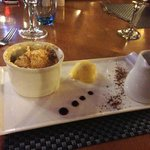 Caramelized toffee apple crumble