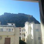 Θέα προς το κάστρο από το μπαλκόνι