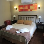 Habitación con cama matrimonial (también tenia lcd)