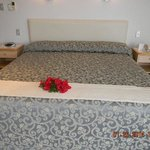 Welcome flowers on bed