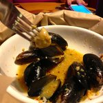 Garlicky mussels.