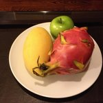 welcome fruit plate in room