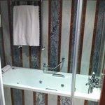 bathtube room12