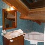 bañera y área de tocador