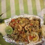 Riso ai frutti di mare e ananas