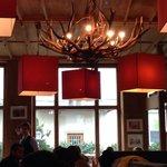 L' originale lampadario del locale