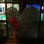 Décoration de St-Valentin dans le hall menant aux thermes