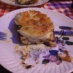 Tartine mit überbackenem Ziegenkäse, Nüssen und Lavendelhonig