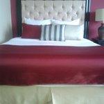 Así son las camas en las suites