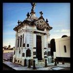 Interior del Cementerio Municipal de Punta Arenas, Chile.