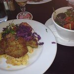 Pork cutlets with carrot mashed and red cabbage