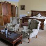 Georgian suite room