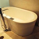 Soaker tub, honeymoon suite 18th floor