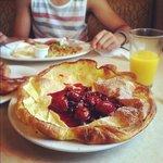 German Pancake with Fruit Topping
