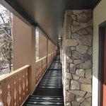 Second level walkway