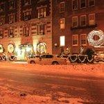 すっかり雪景色のホテル玄関前