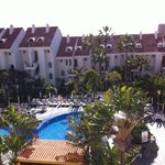 The view over the pool from our room (427)