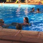Direction la piscine après les chutes...
