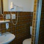 Фен в ванной комнате