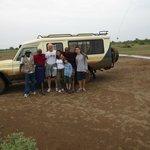 Noi, Isaac e i Masai davanti alla nostra jeep