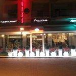 Photo de Cafe de Paix
