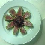 tonno,pistacchi e cipolla agrodolde