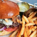 Grass fed, hormone & antibiotic-free juicy burgers in tantalizing combinations. What's not to lo
