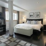 Suite #10 - King Master Bedroom