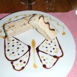 hum. Dessert délectable. (nougat glacé praliné)