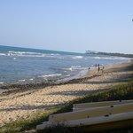 Praia de frente do hotel