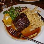 Prime fillet steak with sea salt & black pepper fries